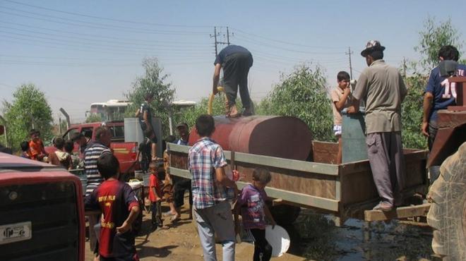 Wassertrucks wie dieser sichern das Überleben der Flüchtlinge
